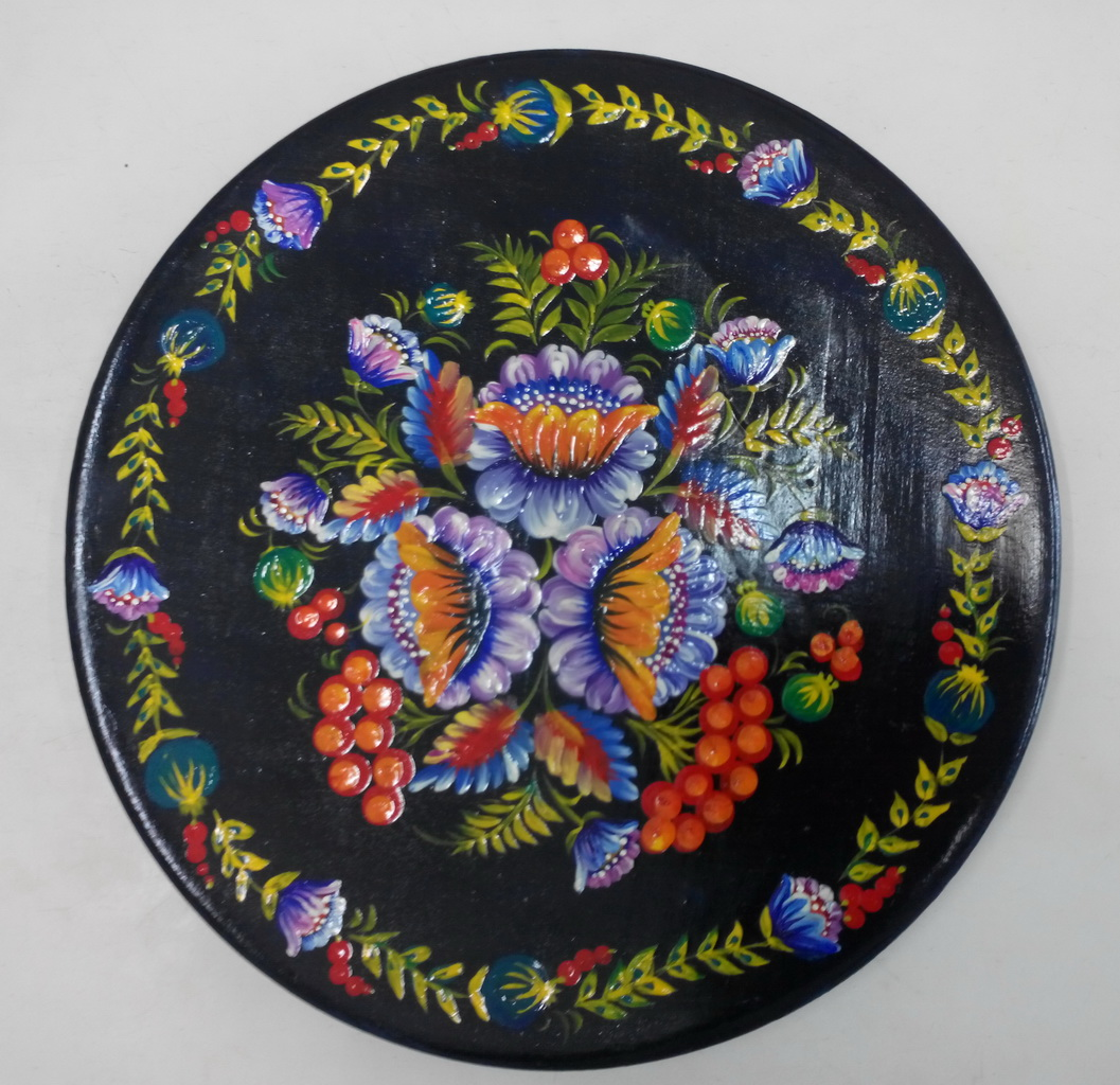 Наташа Лысак тарелка цветы. Петриковская роспись.