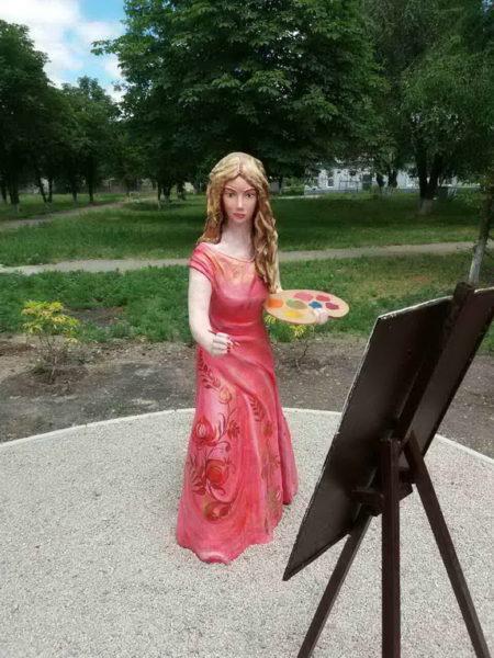 Скульптура в честь петриковских художниц. Поездка в Петриковку.