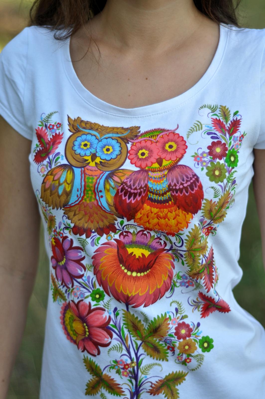 Автор: Светлана Кошель, расписная футболка. Петриковская роспись.